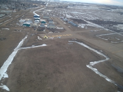 A good picture of the Camrose general apron.